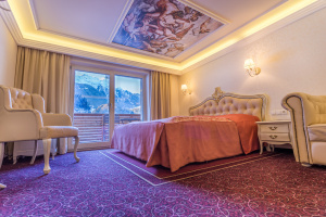 Romantik Modern Zimmer at Gutshof Zillertal hotel (photo)