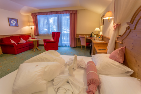 Gutshof Suite at Gutshof Zillertal, Hotel Mayrhofen (photo)